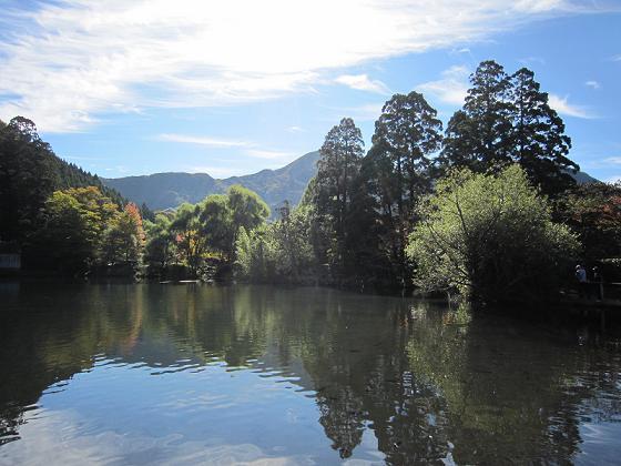 金鱗湖、靄がないと普通っぽい。