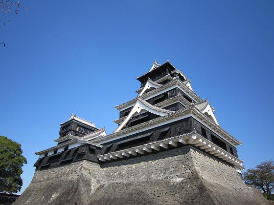 熊本城、お濠の外から