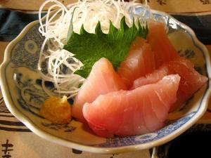 『ワニの刺身』、鮫の刺身、