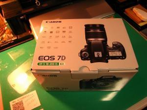 2010.3.、「キャノン EOS7D、EF-S 18-200ISキット」、1