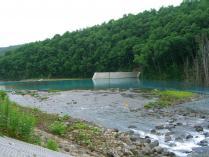 9:04 美瑛川 ・・・ 青い池につながる美瑛川も青かったです
