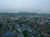 10:50 四季の塔からの眺め ・・・ 曇っていなければもっとキレイに丘が見えたんだろうなぁ。