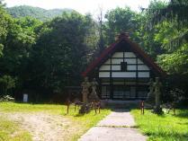 9:40 定山渓神社・・・左の方に登山口があります。