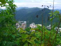 10:22 見晴らし台から見える、定山渓温泉・ミリオーネ方向。
