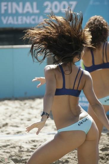play_beach_hots_12.jpg