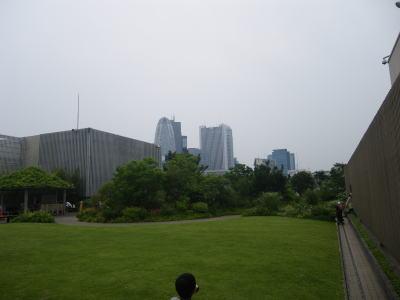 伊勢丹 屋上の芝生