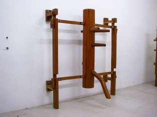 葉問派の連架式壁掛型木人樁