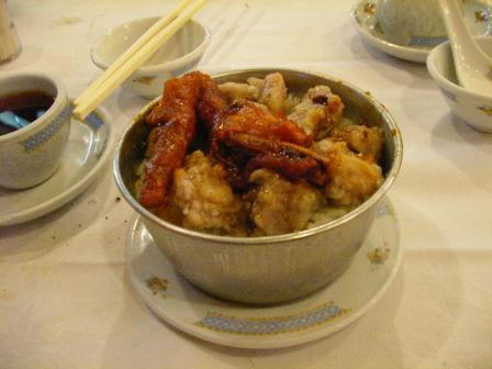 鳳爪、排骨の蒸しご飯