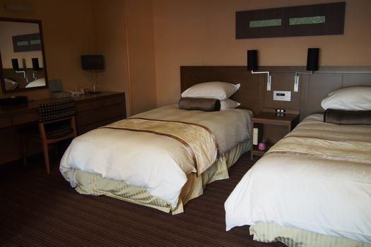 女部屋ベッド