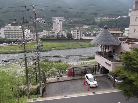 飛騨川を散歩