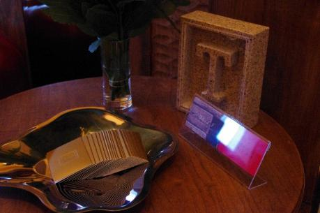 エントランスのテーブル