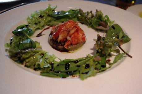 オマール海老の薄切り 茄子のキャビア・ド・オーベルジーヌ バルサミコ風味