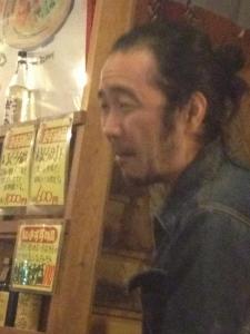ロシアン巻寿司食べる緒方さん