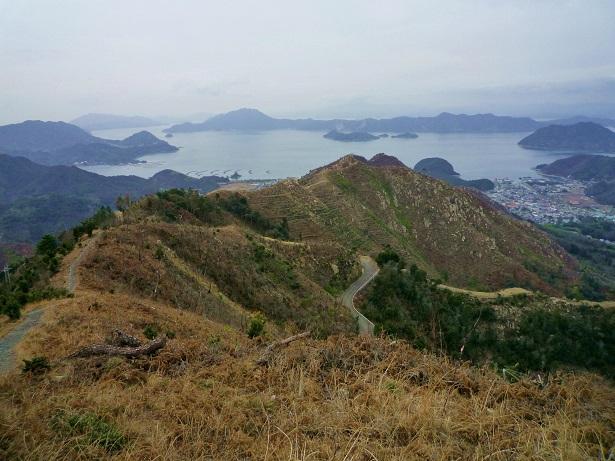 安神山方面を見下ろすP1000085修正