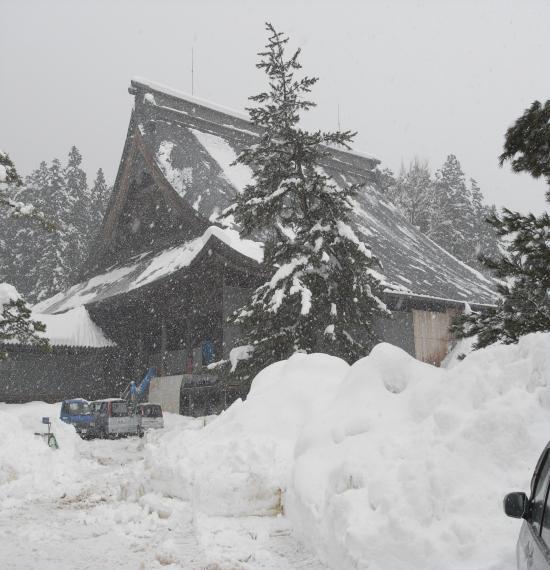 瑞泉寺雪がすごい