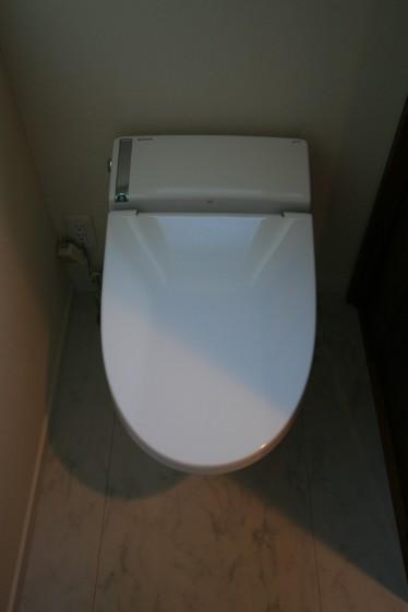 トイレ003