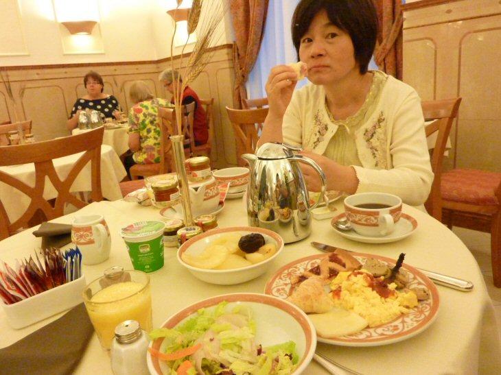 1朝食P1110225