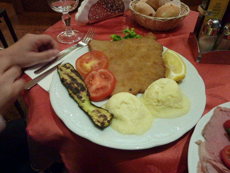夕食ミラノ風5P1140603