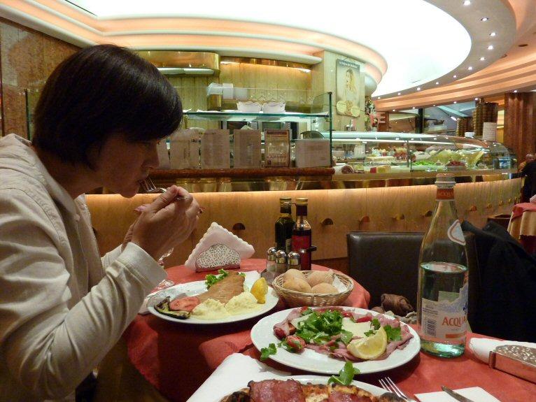 夕食ミラノ風7P1140612