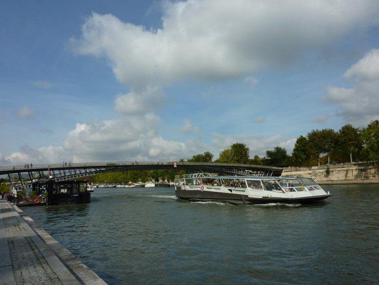 セーヌ川4P1140984