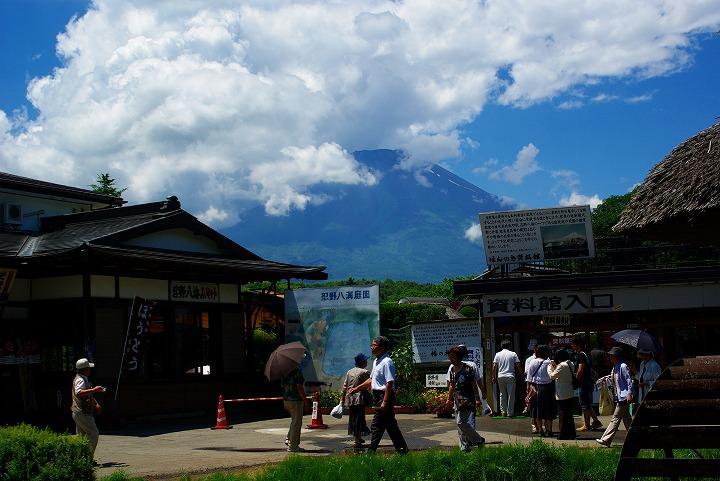 忍野から富士山