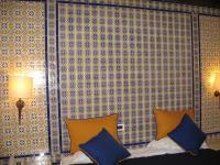 H230617 ホテルの部屋のタイル