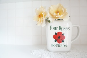 ARABIA_FOUR ROSES
