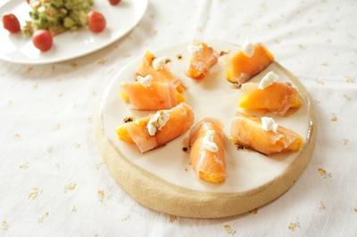 桃と生ハムの前菜