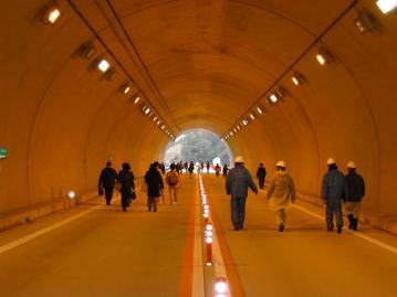 上熊谷トンネル内部