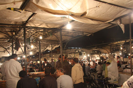 ジャマエルフナ広場の屋台
