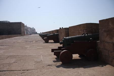 にせの砲台