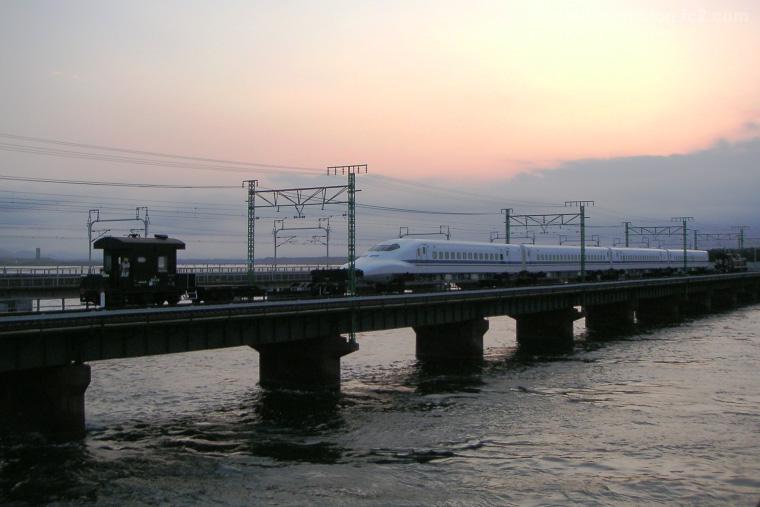 2004081104.jpg