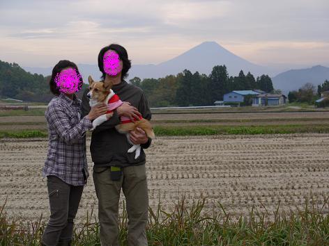 富士山をバックに11.3