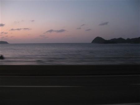 夕暮れ日本海