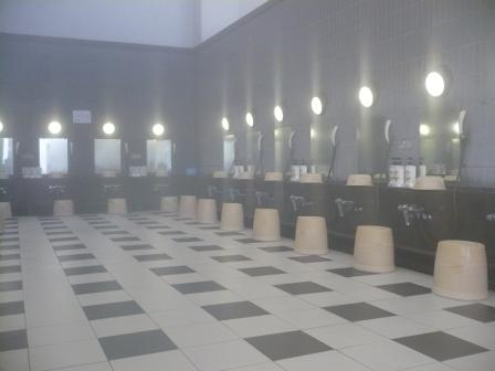 湯楽里館浴室