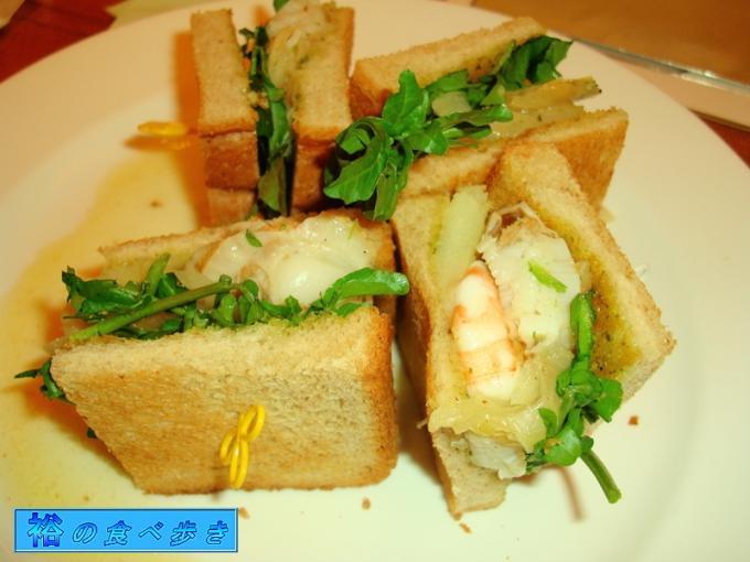 海老&帆立のマルセイユ風サンド