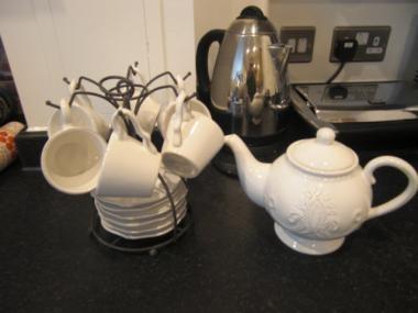 tea-set.jpg