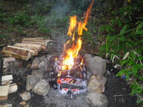 平湯キャンプ場 焚火