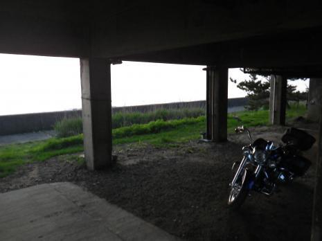 酒田屋旅館 バイク駐車場
