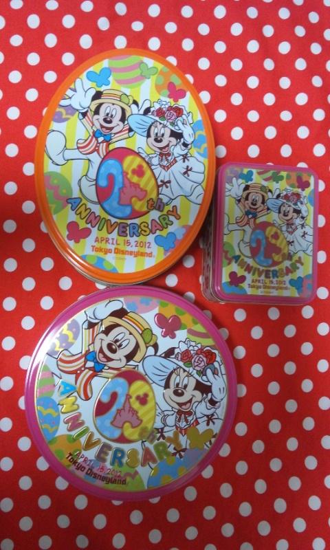 29周年のお菓子の缶
