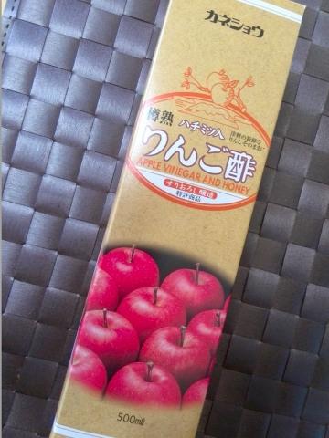 カネショウのハチミツ入りんご酢 (2)