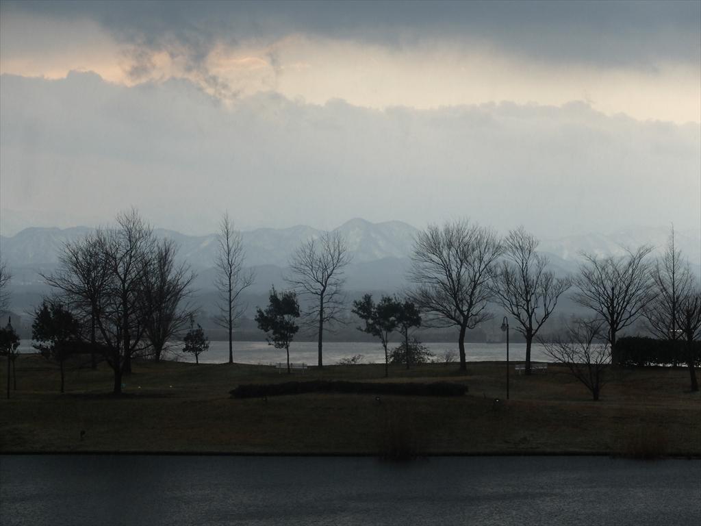 柴山潟と白山連峰