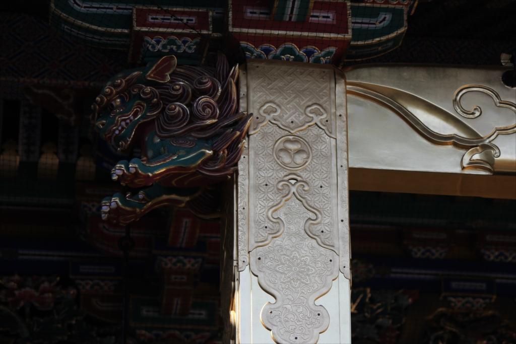 拝殿上部の飾り_7
