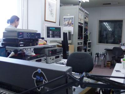 えふえむ・エヌ・ワンのスタジオ風景