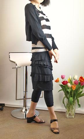 イリゼのカットソー素材のティアードスカート