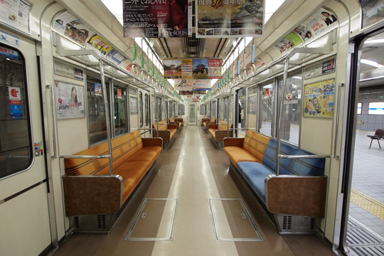 20111106_osaka_city_subway_23-in01.jpg