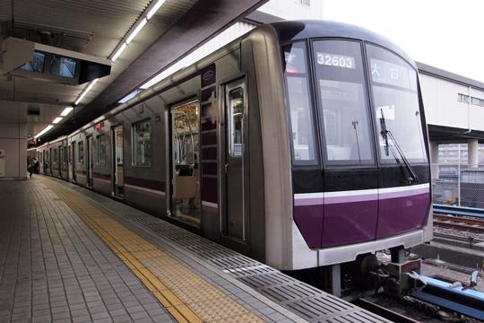 20120526_osaka_subway_32000-02.jpg