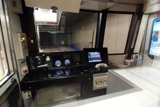20120630_osaka_subway_31000-cab01.jpg