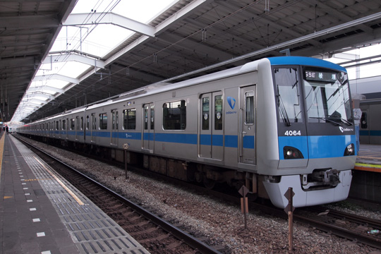 20121124_odakyu_4000-02.jpg