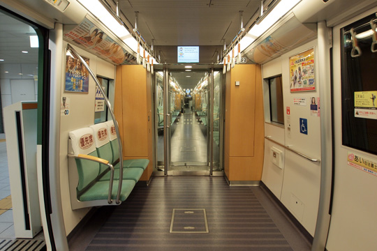 20130104_fukuoka_subway_3000-in08.jpg